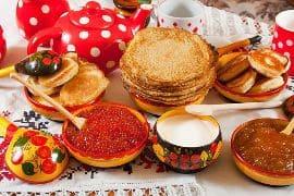 Рецепты домашних блинов на Масленицу - фото
