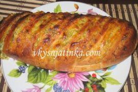 Батон фаршированный сыром и чесноком - фото