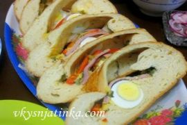 Дрожжевой пирог с яйцом - фото