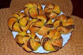 Дрожжевые булочки с тыквой - фото