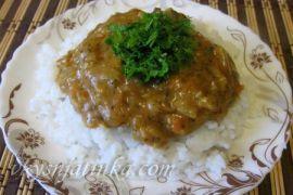 Индейка тушеная с овощами на сковороде
