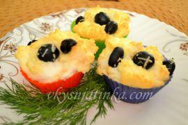 Яйца в духовке с оливками