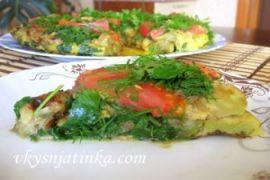 Кабачки с помидорами и яйцом