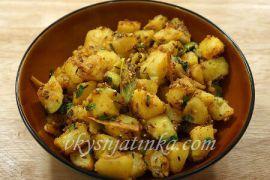 Как жарить картошку на сковороде - фото