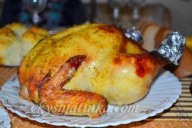Курица с ананасами запеченная целиком
