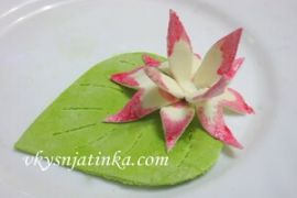 Лилия из мастики