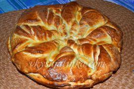 Пирог с яблочным вареньем - фото