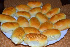 Пирожки с луком и яйцом - фото