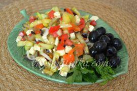 Салат из жареных баклажан и кабачков
