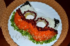 Салат с курицей и шампиньонами «Маска» - фото