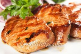 Свинина по-китайски в кисло-сладком соусе с перцем - фото
