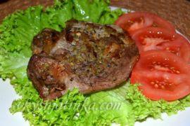 Свинина запеченная в духовке с ревенем