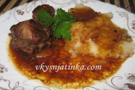 Свиные ребрышки с медом на сковороде - фото