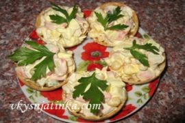 Тарталетки с крабовыми палочками и яйцом - фото