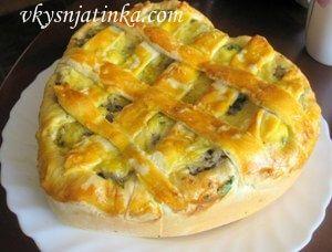 Дрожжевой пирог с грибами - фото