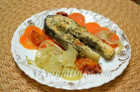 Горбуша запеченная в фольге с овощами - фото