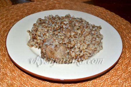 Гречневая каша с мясом в мультиварке - фото