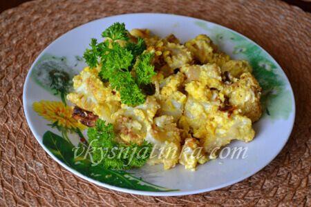Яичница с цветной капустой - фото