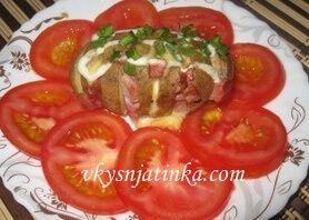 Картофель запеченный с ветчиной в духовке - фото