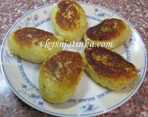 Картофельные зразы со свежей капустой - фото