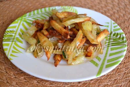 Картошка с чесноком в духовке - фото