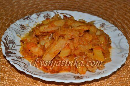 Картошка с капустой в мультиварке - фото