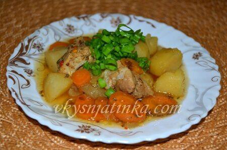 Картошка с мясом в мультиварке - фото