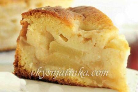 Кекс с яблоками на кефире в духовке - фото