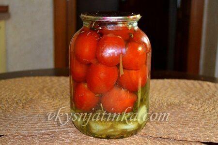 Консервированные фаршированные помидоры - фото