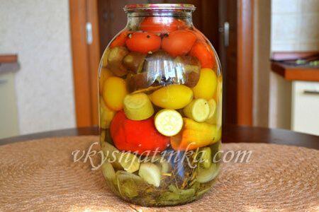 Консервированные овощи ассорти - фото