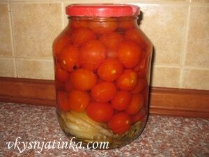 Консервированные помидоры черри - фото