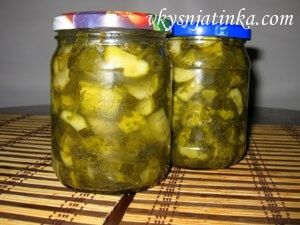 Консервированный салат из свежих огурцов - фото