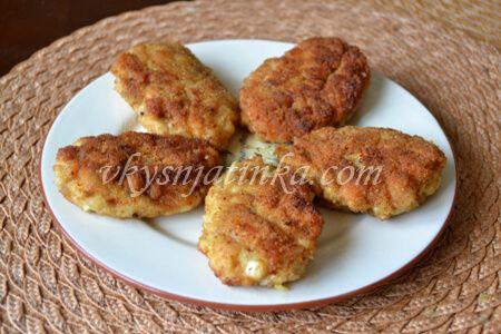 Котлеты из куриного филе в панировке - фото