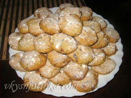 Печенье с орехами - фото