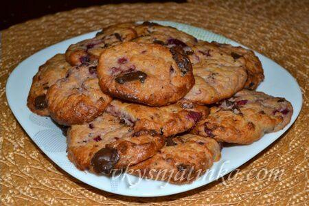 Печенье с вишней - фото