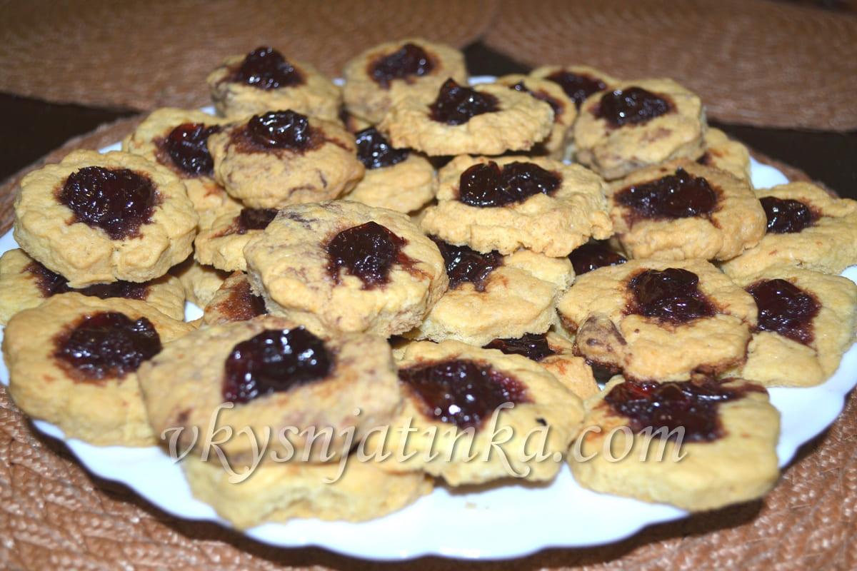 Песочное печенье с вареньем - фото