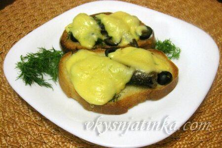 Пикантные бутерброды - фото