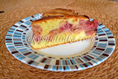 Пирог с яблоками и малиной - фото