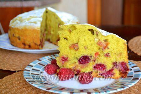Пирог с ягодами в мультиварке - фото