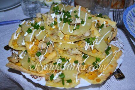 Пирог с курицей и ананасами - фото