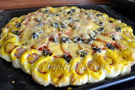 Пирог с сосисками - фото