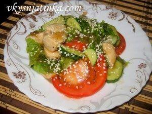 Салат из куриного филе - фото