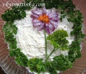 Салат с сельдереем - фото