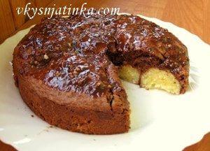 Шоколадный пирог с творожными шариками - фото