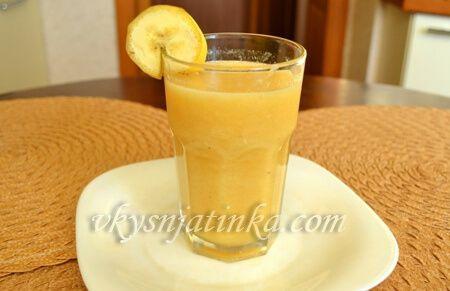 Смузи из банана и апельсина - фото