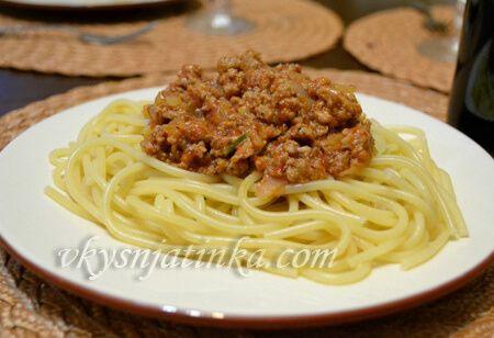 Спагетти болоньезе - фото