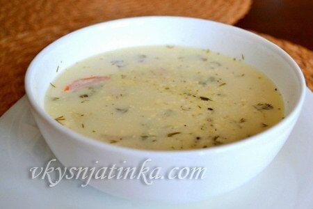 Суп с куриным филе и плавленным сыром - фото