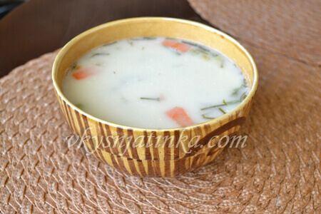 Сырный суп из плавленого сыра с курицей - фото