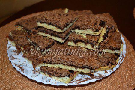 Тертый пирог на маргарине с вареньем - фото
