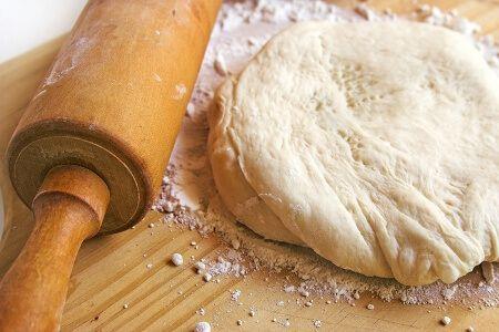 Домашнее тесто для курника - фото